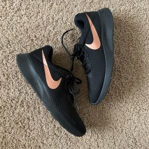 Nike Tanjun Black and Rose Gold Running Shoe